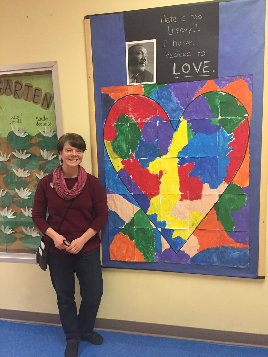 Ms. Hall and her class created this beautiful board to celebrate MLK and love! <a target='_blank' href='http://search.twitter.com/search?q=APSBlackHistory'><a target='_blank' href='https://twitter.com/hashtag/APSBlackHistory?src=hash'>#APSBlackHistory</a></a> <a target='_blank' href='https://t.co/URFrsnfhNV'>https://t.co/URFrsnfhNV</a>