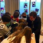 #AuTableau avec les élèves fantastiques de la classe de CM2 du Lycée Vincent Van Gogh de La Haye.   Échanges passionnants et revigorants sur la vie du pays, de l'#Europe, le fonctionnement de l'@AssembleeNat et la fonction de député !