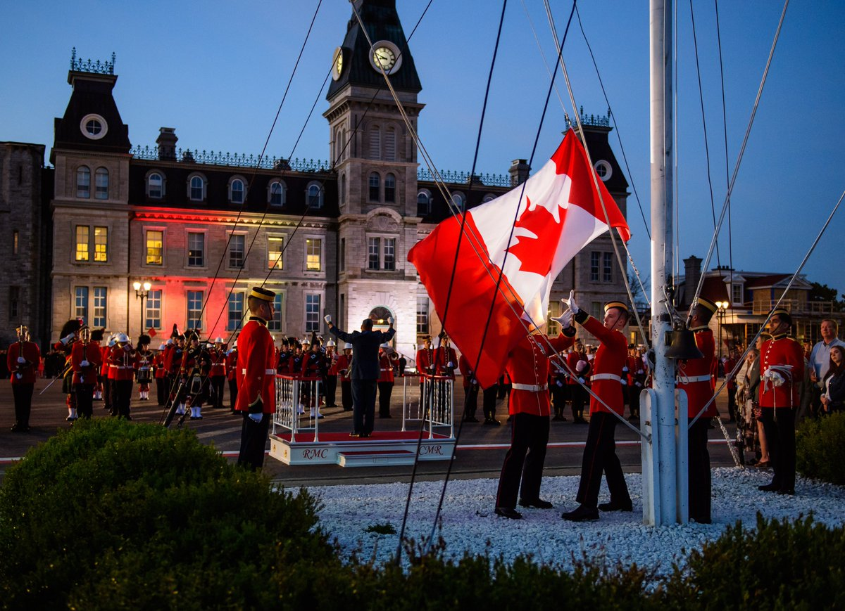 #DidYouKnow? In 1964, Dr. George Stanley, the Dean of Arts at the Royal Military College of Canada created the design for what is still our National Flag! #FlagDay #CanadianFlag https://www.rmc-cmr.ca/en/flag-day-and-rmc…