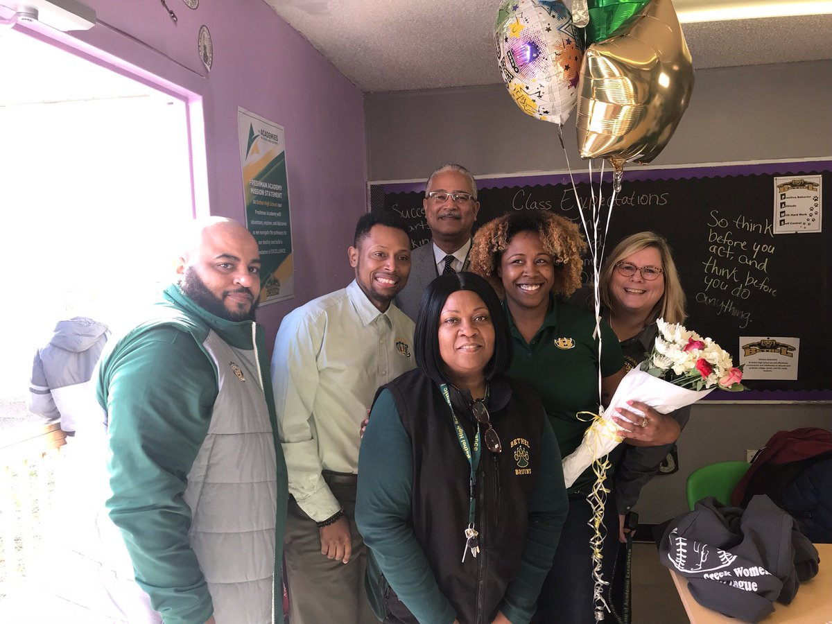 Congratulations to the 2019-2020 Bethel High School Teacher of the Year - Sherry Murphy! @TeachisLyfe We are proud of you, and this is well deserved. @BHSOfficialHCS 🎈🎉🎊