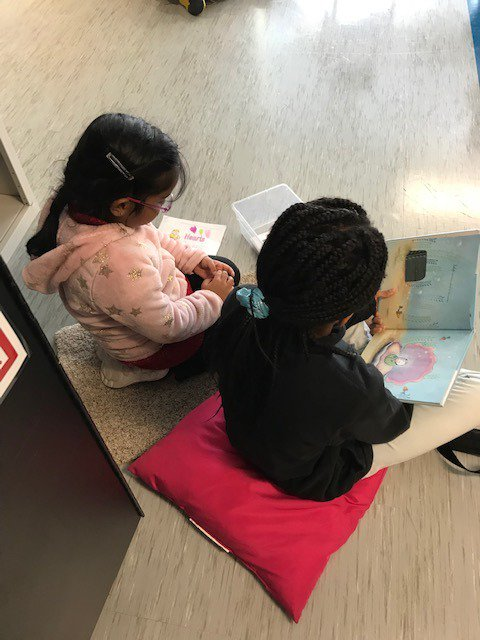 We loved reading with our fourth grade buddies on Read the Day Away! <a target='_blank' href='https://t.co/r8BchfQ30Q'>https://t.co/r8BchfQ30Q</a>