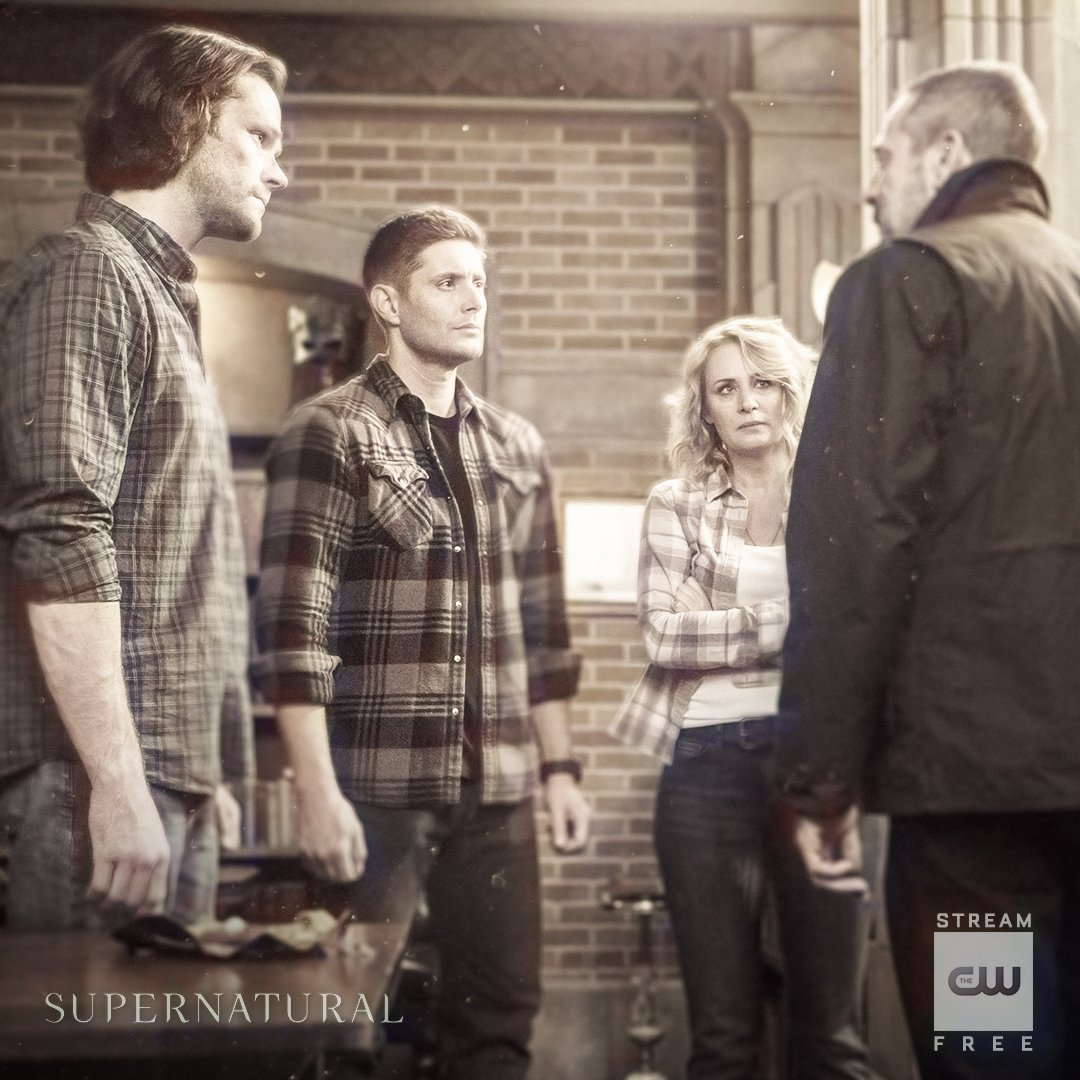 Tough family decisions. Stream the latest: https://t.co/ZCIZSAIXTe #Supernatural #SPN300 #SPNFamily