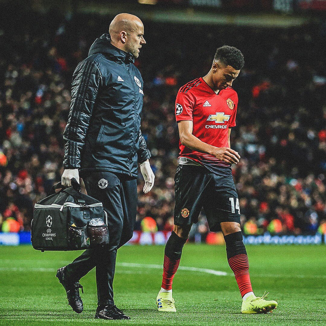 🤕 Ole Gunnar Solskjaer has confirmed that @JesseLingard and @AnthonyMartial will be out for 2/3 weeks.  🔴 @ManUtd's fixtures:  📅 18 Feb 🔵 @ChelseaFC  📅 24 Feb 🔴 @LFC  📅 27 Feb 🦅 @CPFC  📅 2 March 😇 @SouthamptonFC  📅 6 March 🔵 @PSG_inside  😅 Missing some big games.