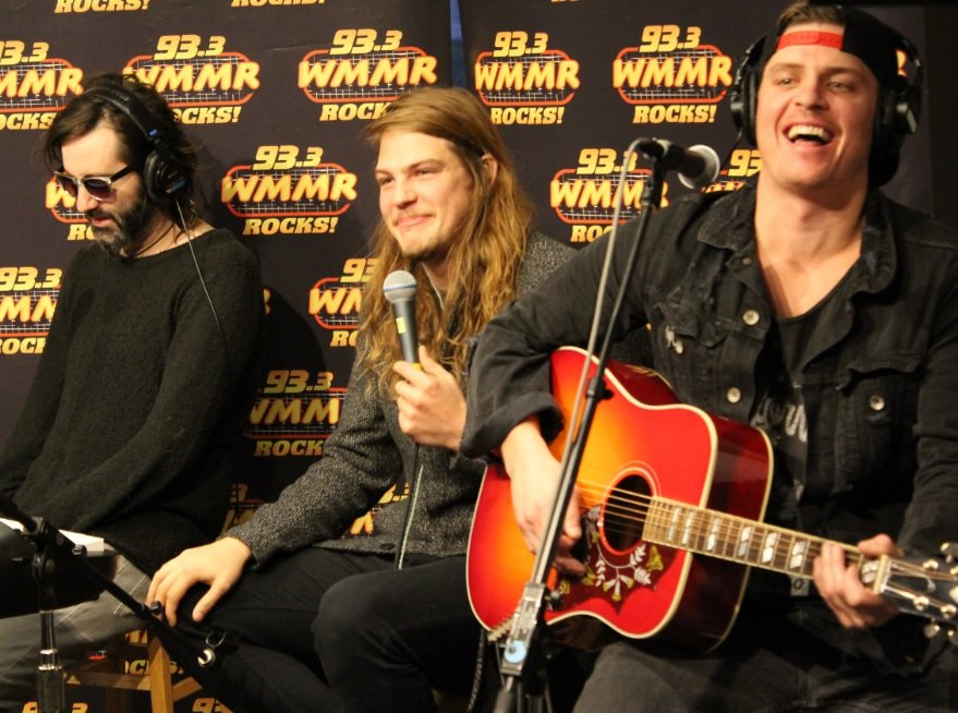 .@TheGloriousSons joining @brentporche in studio today at 2pm to kick off off our 🏒+🎸 weekend 📻 #tunein