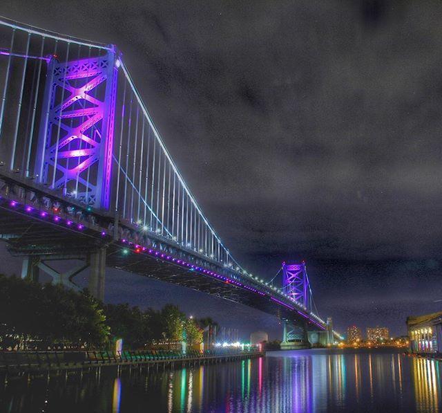 My purple passion... #benfranklinbridge #benfranklinfriday #bridge #bridges_of_our_world #bridges_of_instagram #philadelphia #philly #phillygram #phillymasters #phillyprimeshots #phillyunknown #purple #igers_philly #howphillyseesphilly #whyilovephilly #v… http://bit.ly/2Gr7SYZ