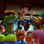 ... Woody resgatam brinquedo da chuva em nova prévia da animação  vem ver!  (Foto  Reprodução)     Read Article. CinePOP  Toy Story 4   Betty ... c7b038bf61d