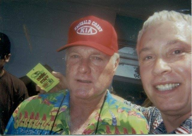 Just saw Mike Love in video!  I love the Beach Boys and I love Lorrie Morgan! What a great song/memory!  Thank you @TheLorrieMorgan<br>http://pic.twitter.com/Kv1K7PHZYR