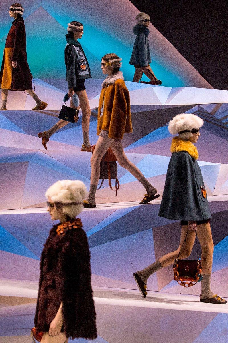 Les plus beaux décors d'Anya Hindmarch à la Fashion Week de Londres --> https://t.co/VdFB18Y9uF