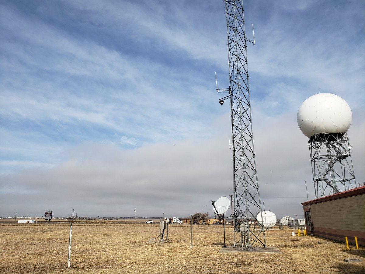 Low clouds are just on the horizon to the north just behind the cold front. Current temperatures here at NWS Amarillo is 47 degrees. Temps are more than 20 degrees colder at this time across the northern areas such as Canadian and Guymon w/current temps in mid 20s.  #phwx