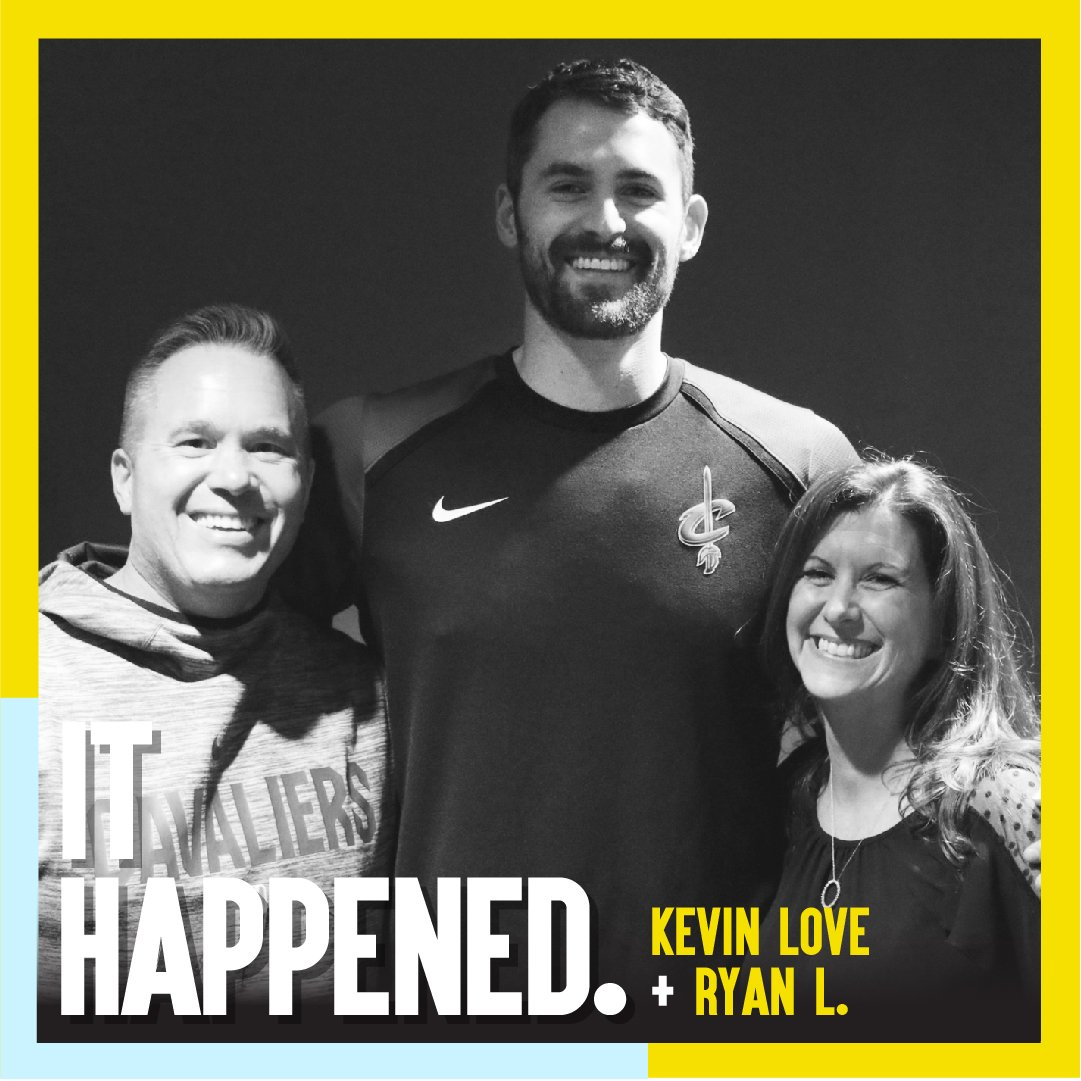 Valentine's Day may be over, but there's still some love to go around!   Check out winner Ryan L. and his wife hanging with @kevinlove before a game in Cleveland. #omazewinners #omazesports #omaze #ithappened