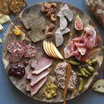 Image for the Tweet beginning: Charcuterie & cheese paired with