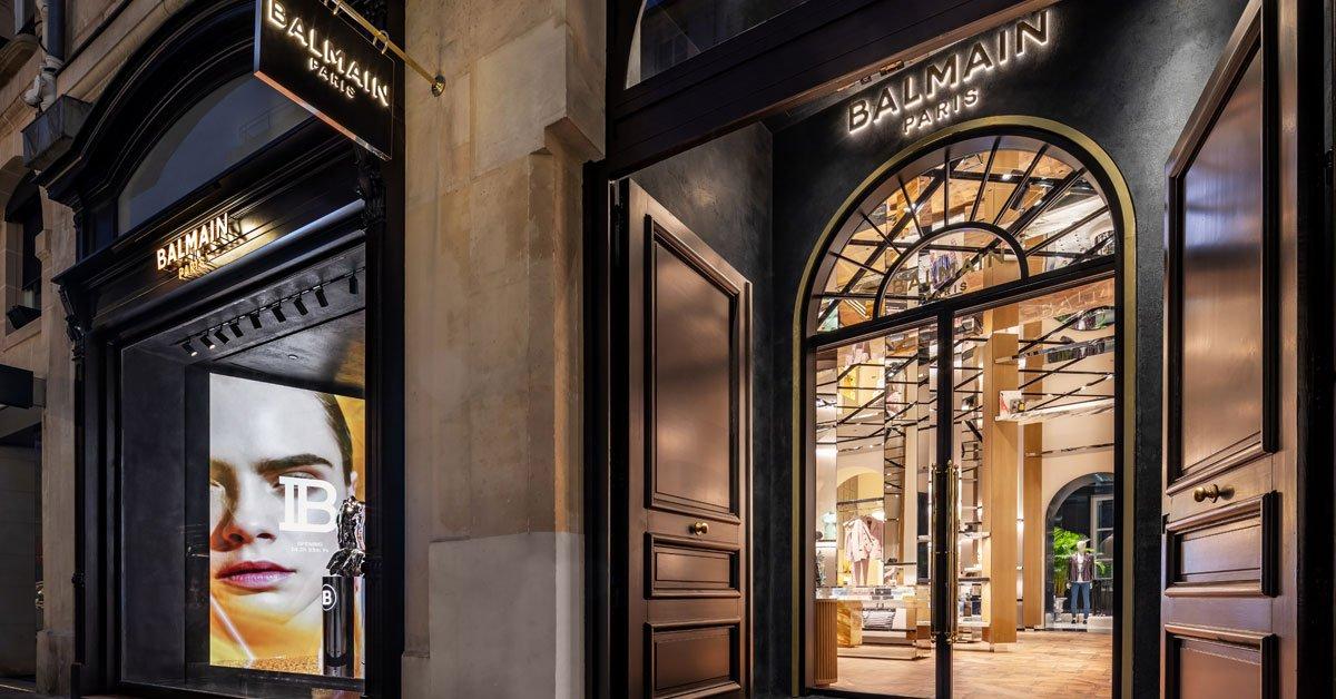 Alliant audace et héritage, la seconde boutique parisienne de @Balmain s'impose comme adresse incontournable de la rue Saint-Honoré -->  https://t.co/oCt7UU8JlZ