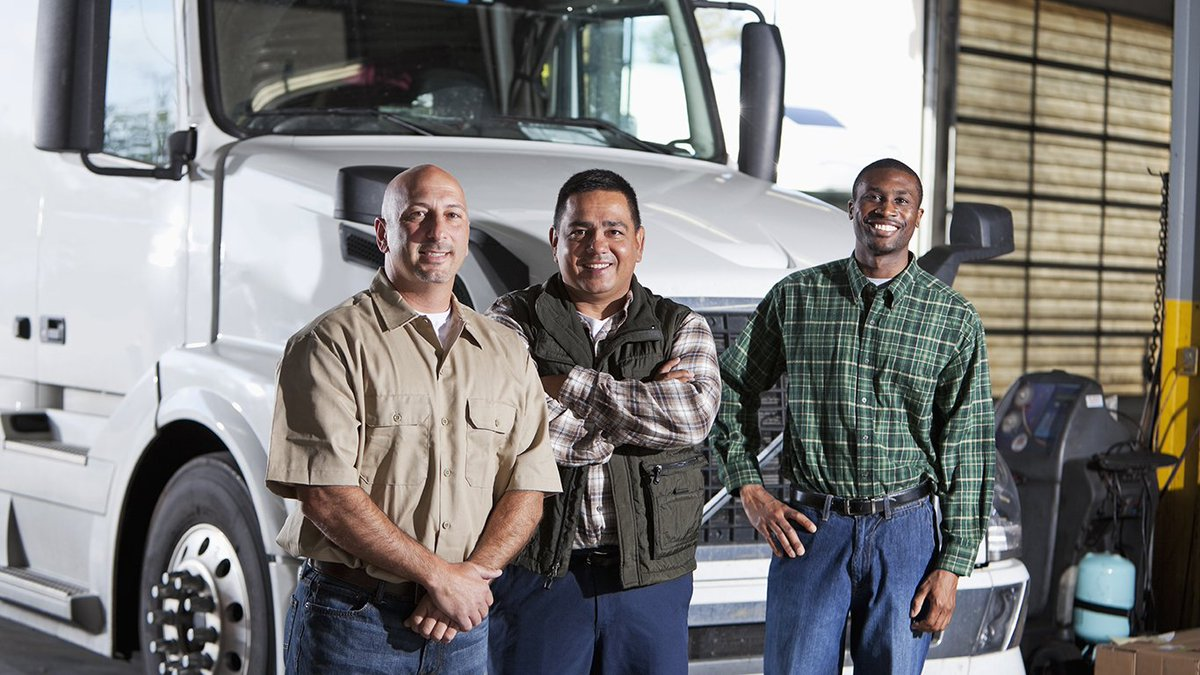 Take advantage of priority service for veterans at all Texas Workforce Solutions offices. Meet with our Veterans Representatives to access job placement services, training programs & résumé/application assistance. Find an office near you: http://ow.ly/N3Pq30mSnov  #TOWH