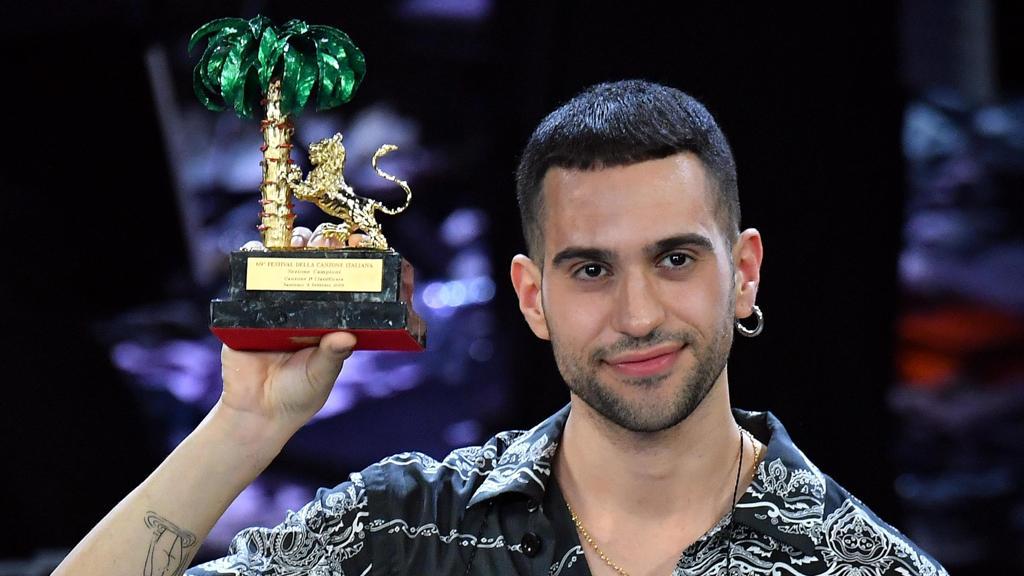 Soldi di Mahmood primo nella classifica dei singoli Fimi http://dlvr.it/Qyzd4l