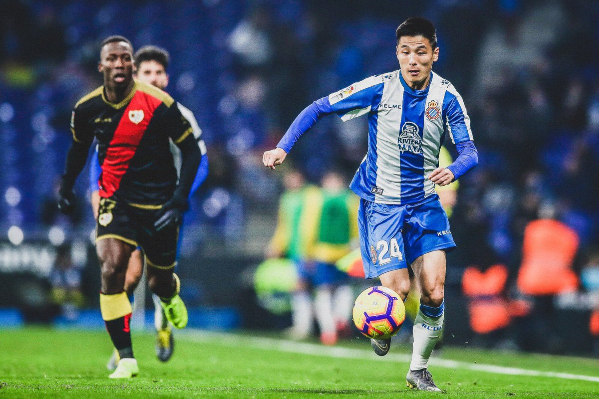 🇨🇳 The story of Wu Lei:  📅 28 Jan ✍️ Joins @RCDEspanyol.  📅 3 Feb 👤 Debut watched by over 40m people in China.  📅 9 Feb 📈 Helped Espanyol come back to beat Rayo Vallecano 2-1.  📅 12 Feb 👕 Sold more shirts than any other player at the club this season.  👏 Immediate impact.