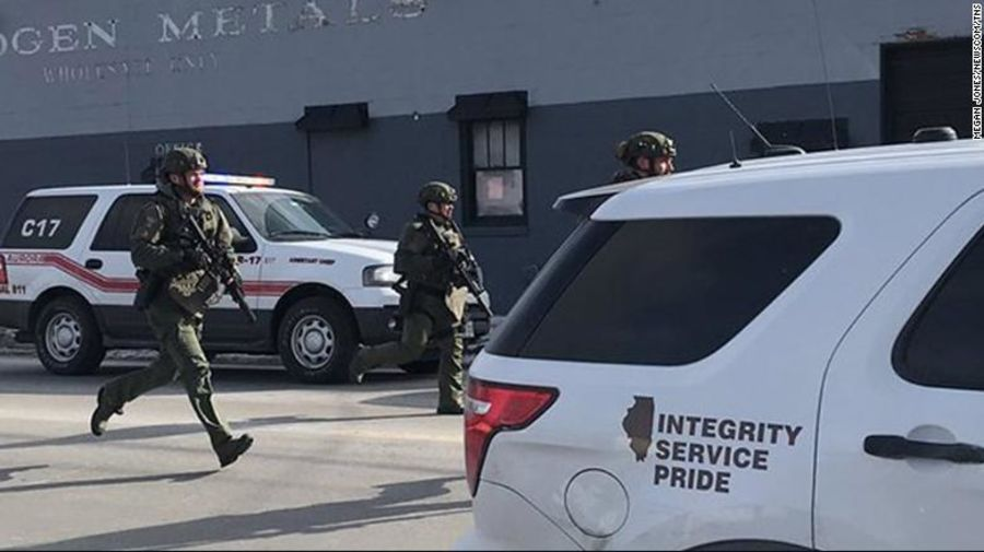 The suspect in the shooting in Aurora, Illinois, is dead, two law enforcement sources say https://t.co/TKiOmy2woy https://t.co/VUwmDp06Ct