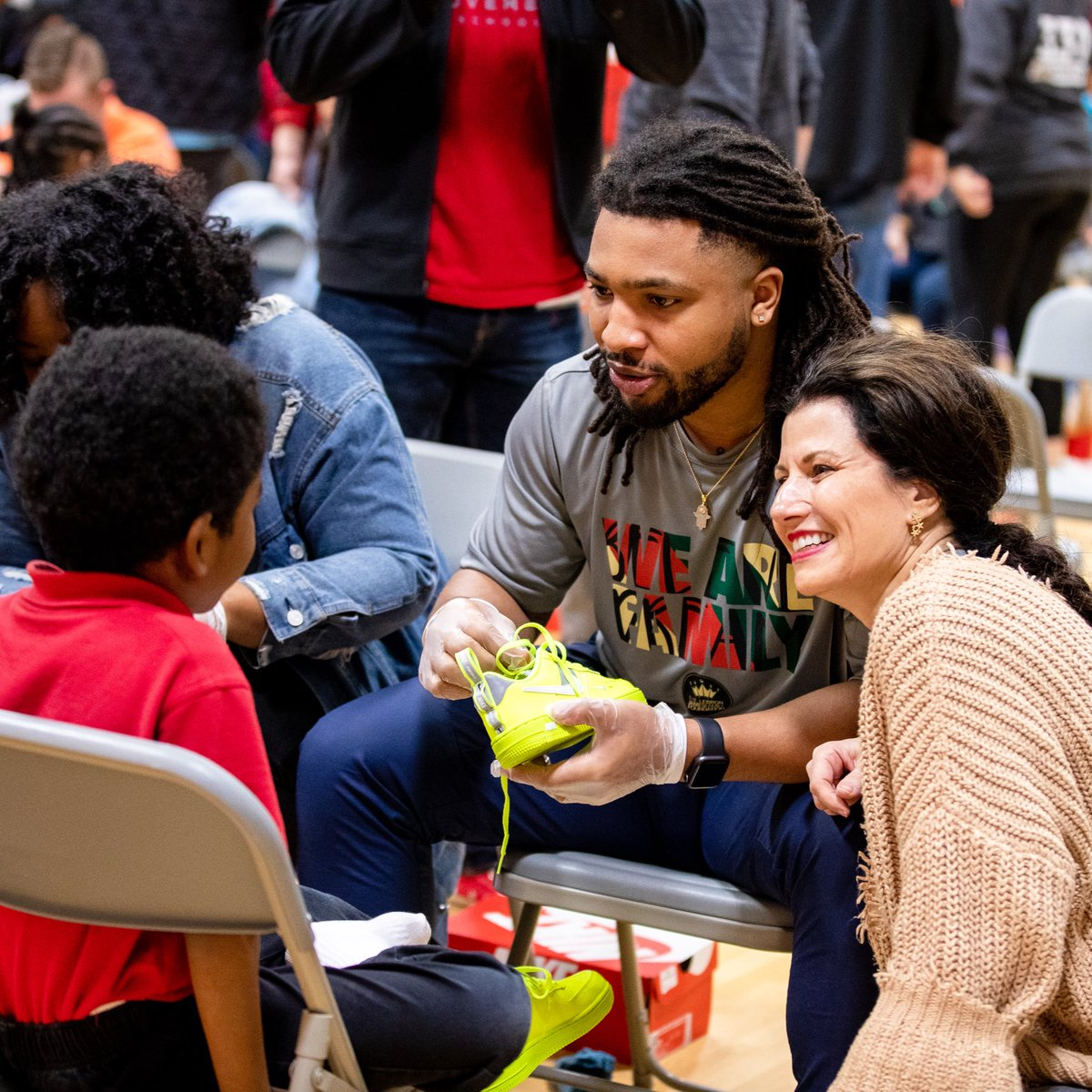 LeBron James continues tradition of bringing 23 students to All-Star weekend