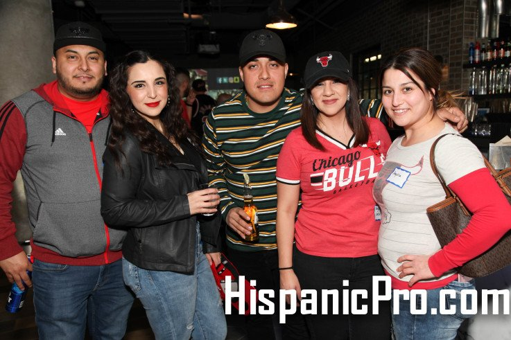 #FBF 2018 Los @Bulls & HispanicPro #NocheLatina Networking Event photo. This year Saturday March 23 >> http://ow.ly/QA1330nx9lH #Chicago #sports #business #social #fun #windycity #chitown #basketball #bullsnation