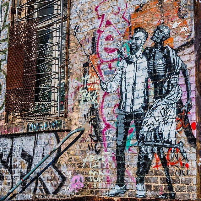Smile! Death Dance by @edwardvonlongus #selfie #berlin #igersberlin #berlinstagram #ig_berlin #visit_berlin #germany #berlincity #diestadtberlin #berlinstyle #deutschland #ig_berlincity #berlinpage #berlincalling #chellsviewonberlin #streetart #streetart… http://bit.ly/2DHFNsP