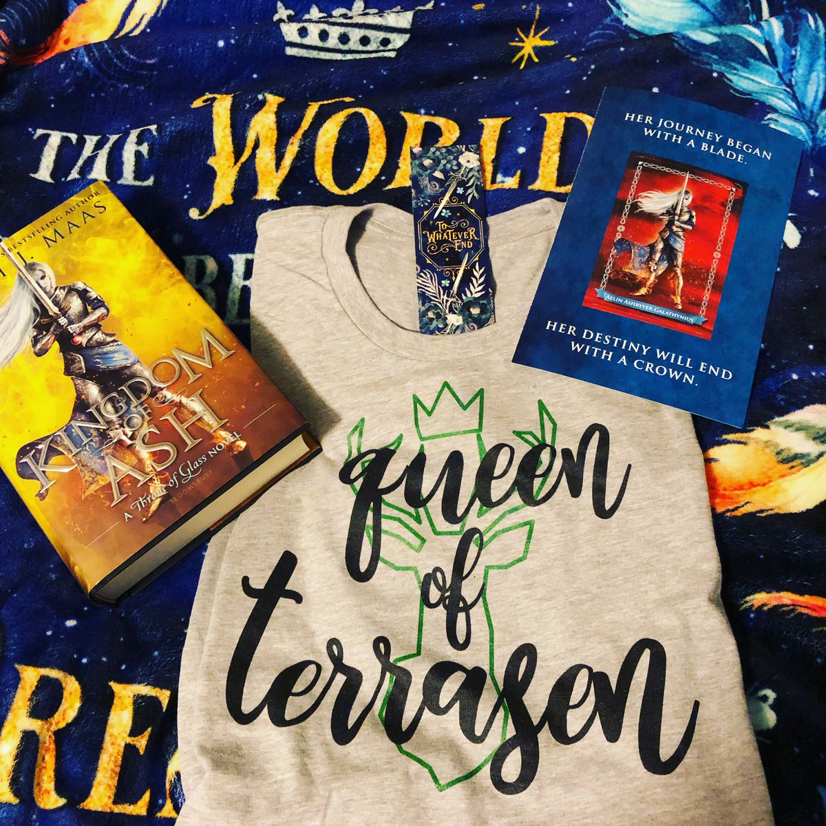 My students are going to be so obsessed with my custom shirt from @BlissBookishCo  Blissfully Bookish has amazing book themed shirts and decals from all the great YA book fandoms! #ThroneofGlassSeries #SarahJMaas #AelinGalathynias<br>http://pic.twitter.com/OLnIi2OSoM
