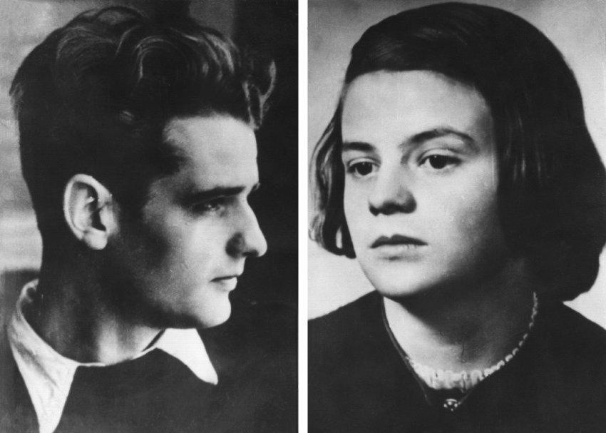 'Weiße Rose': Die Geschwister Hans und Sophie Scholl wurden heute vor 76 Jahren hingerichtet. Ihre Familie unterstützte die Widerstandskämpfer bis zuletzt (aus dem @einestages-Archiv)  https://t.co/ouZq1oNKLH