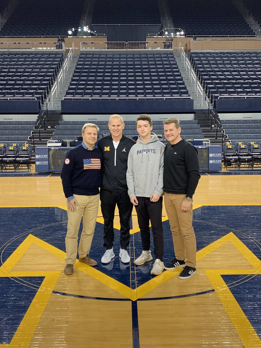 Thanks Coach for letting us watch practice today. You and your team are a class act @JohnBeilein @umichbball<br>http://pic.twitter.com/64RpMKxdyh