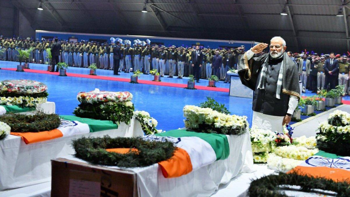 Pulwama attack: Grief unites nation, PM Modi promises retribution https://t.co/UOE2cTI62J