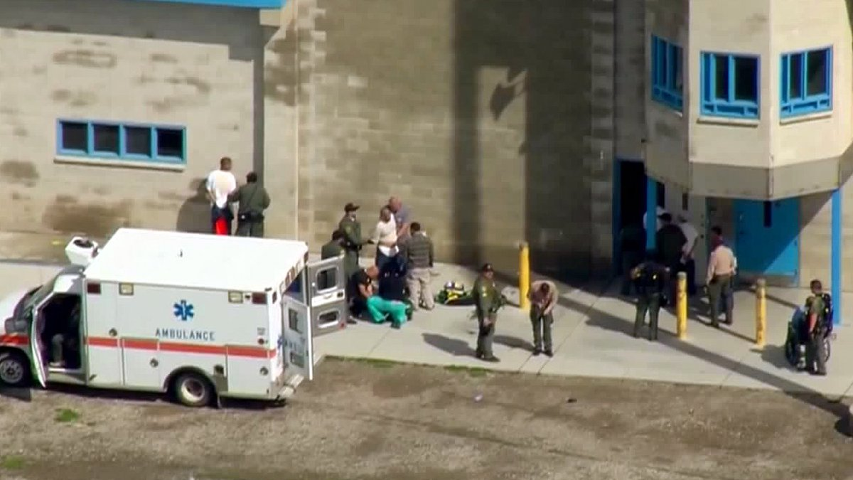 WATCH LIVE: Inmates are being searched by officers while others receive medical attention and get loaded into ambulances at Donovan State Prison. SkyFOX is live over the scene  https://t.co/U8Bk6xWRiF