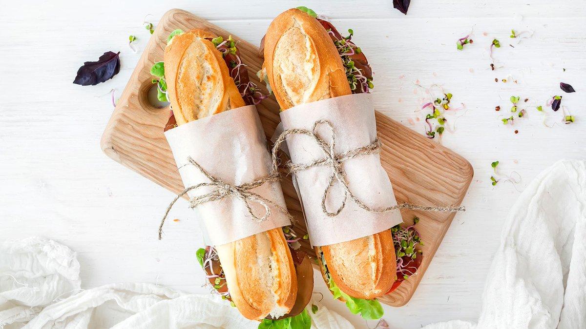 El pan es un producto saludable y nutritivo, fundamental en una dieta variada y equilibrada 🥖 Descubre sus beneficios y cómo incorporarlo a tu alimentación diaria 😉⬇️ @Pancadadia #pan #recetas   ➤  https://t.co/EhTEz8wsPA