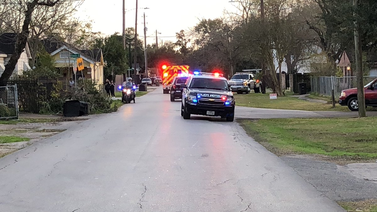 """#BREAKING HPD Chief says search warrant for Harding Street home of last month's deadly police raid contained """"material untruths, lies"""" #khou11"""