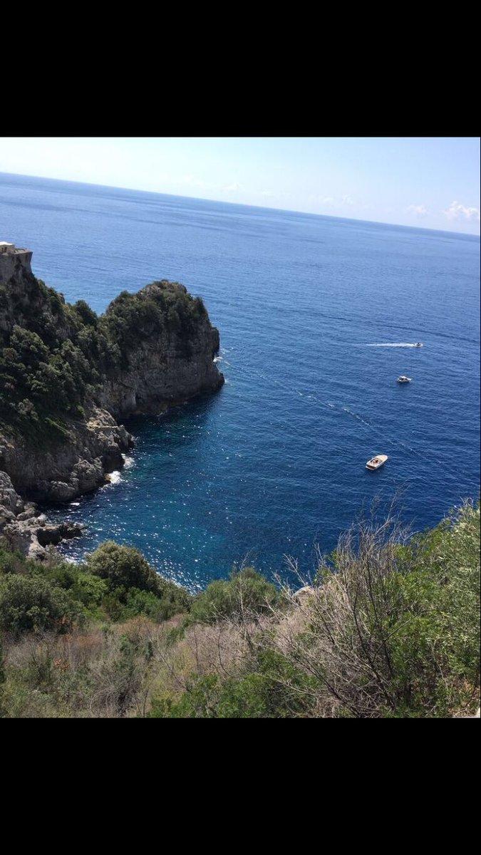 La meravigliosa Costiera Amalfitana #costieraamalfitana #carmelopadellaro #pianoentertainer #piano #instapiano #pianist