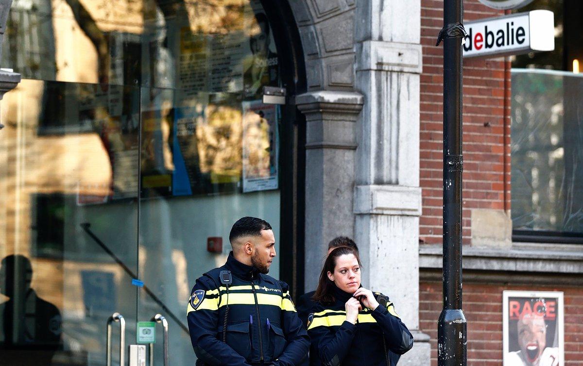 Advocaten journaliste Boersma verwijten OM 'schaduwproces' te voeren https://www.nrc.nl/nieuws/2019/02/15/advocaten-journaliste-boersma-verwijten-om-schaduwproces-te-voeren-a3654281…