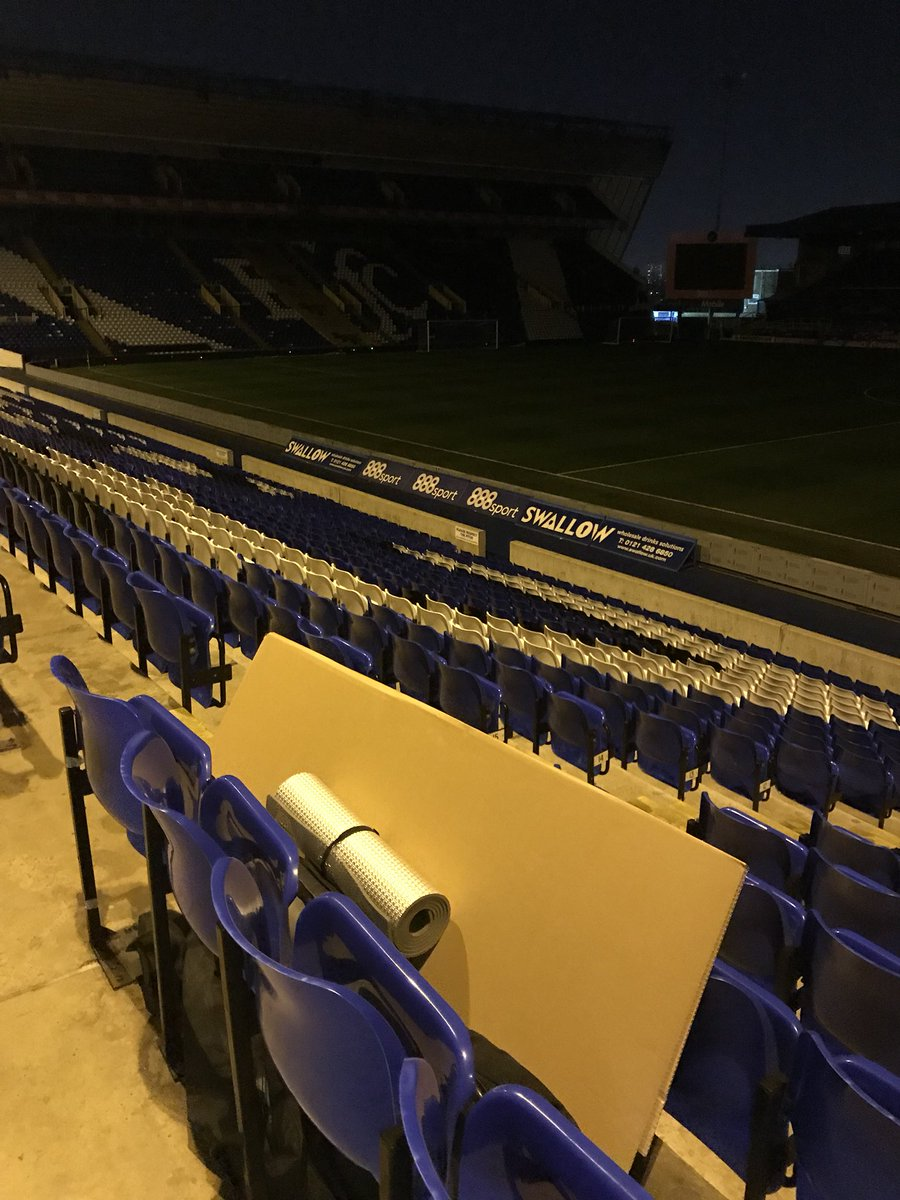 🏟🛌 We are all set for the Stadium Sleepout at St. Andrew's.  Blues fans are arriving for a cold night's sleep in the Kop to raise money for the @Geoff_Hors_Foun. 👏  #BCFC