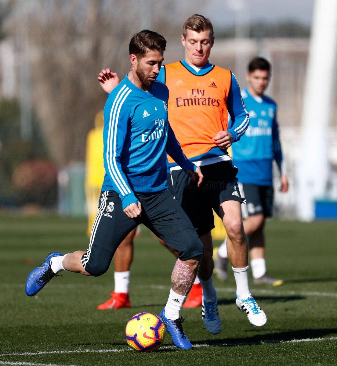 El @realmadrid regresó a los entrenamientos en la #CiudadRealMadrid. Los de #Solari comenzaron a preparar el partido de @LaLiga ante el @GironaFC, que tendrá lugar este domingo a las 12:00 horas en el Santiago Bernabéu, y en el que intentarán prolongar su racha de victorias.