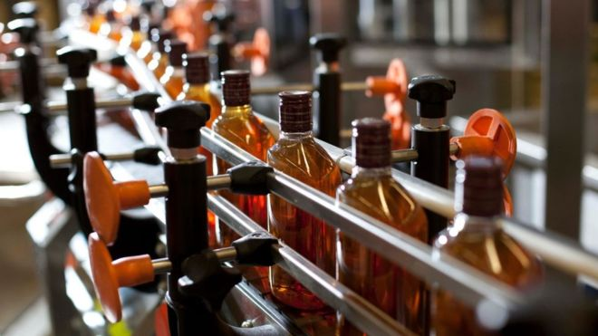 We'll drink to that! Scotch whisky exports have enjoyed a record year, with the US becoming the first billion-pound overseas market for our national drink http://ow.ly/FbAJ30nHF39 #ScotlandIsNow #InvestScotland #TradeScotland