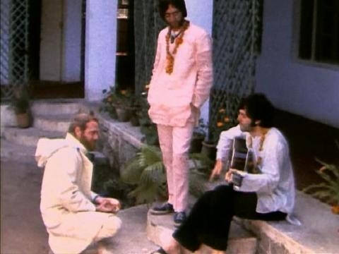 Today in 1968, Mike Love arrived in Rishikesh, India with @thebeatles to learn @TMmeditation. Here they are probably writing what would be &#39;Back In The USSR&#39;<br>http://pic.twitter.com/3PlVNHQC3s
