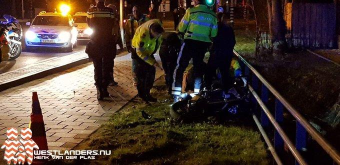 Motorrijder gewond na klapper op Galgeweg https://t.co/3gAsBwxLHX https://t.co/t0B11oBxAu