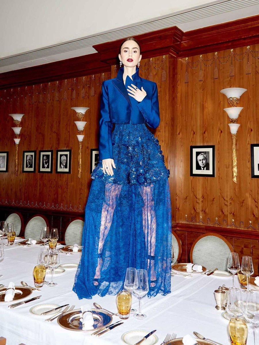 Vivo por las fotos que se hizo Lilly Collins en los #BAFTA 😱 Ese vestido Givenchy se las merecía 💙