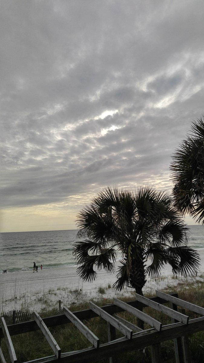 Panama City Beach this afternoon <br>http://pic.twitter.com/XdyeSnYkLl