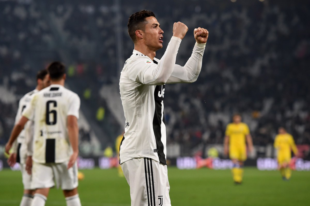 ⚫️⚪️ @Cristiano has both scored and provided an assist in each of his last three league games for the 2nd time in his career in the top-5 European leagues (the first with Real Madrid in November 2014). h/t @OptaPaolo