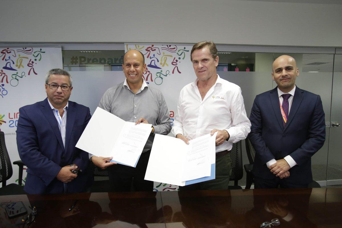 [AHORA] Lima 2019 y Latina Media S.A. firman contrato de cesión de derechos de medios. @Latina_pe tendrá los derechos de transmisión exclusiva para televisión abierta en el territorio nacional. #JugamosTodos