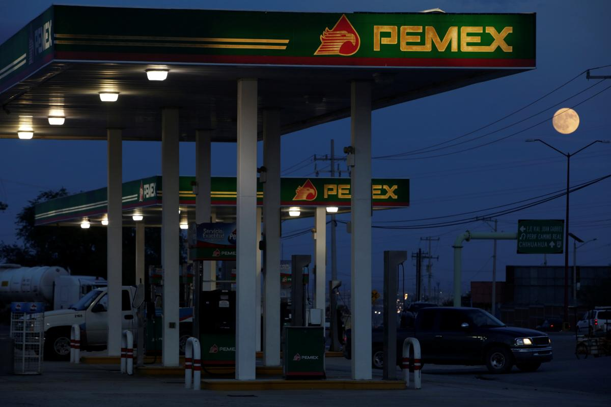 Analyst View: Investors divided over Mexico's bailout of state oil company: The Mexican government promised on Friday to do what it takes to strengthen the finances of ailing state oil company Petroleos… http://dlvr.it/Qz0VNQ  #ImpeachTrump #ImpeachKavanaugh #TheResistance