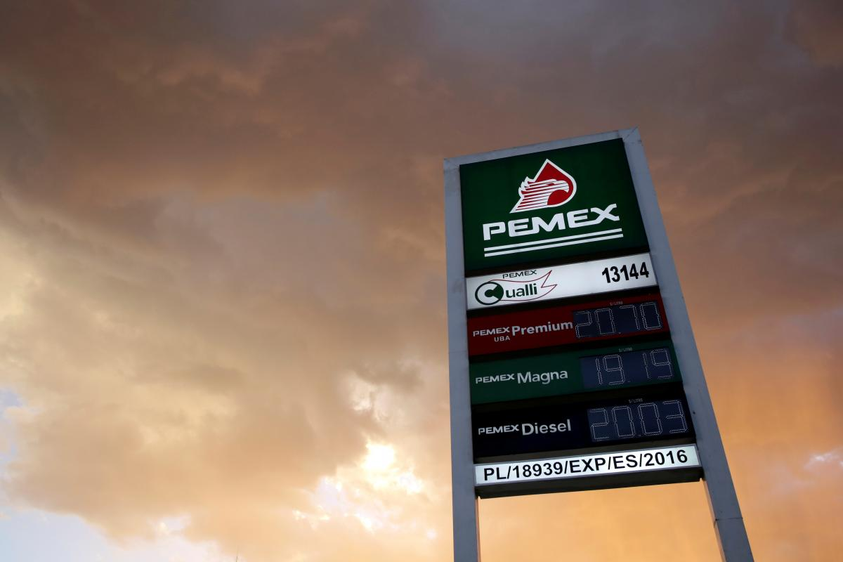 Mexico to inject $3.9 billion in Pemex, seeks to prevent credit downgrade: Mexico will inject $3.9 billion into ailing state oil company Pemex, officials said on Friday, promising to strengthen its finances… http://dlvr.it/Qz0VRM  #ImpeachTrump #ImpeachKavanaugh #TheResistance