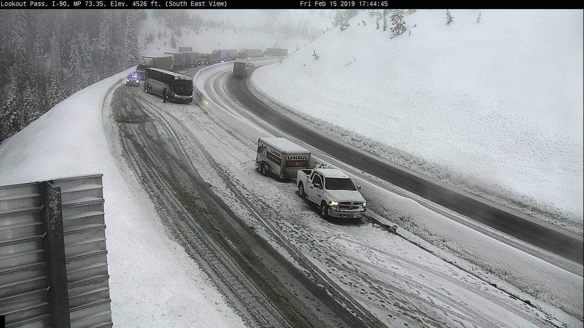 west bound I-90 currently at standstill on the #Idaho side of #LookoutPass due to what appears to be multiple accidents. Snow and ice covered roadways will continue to be present through tonight #mtwx #idwx image credit:  @IdahoITD