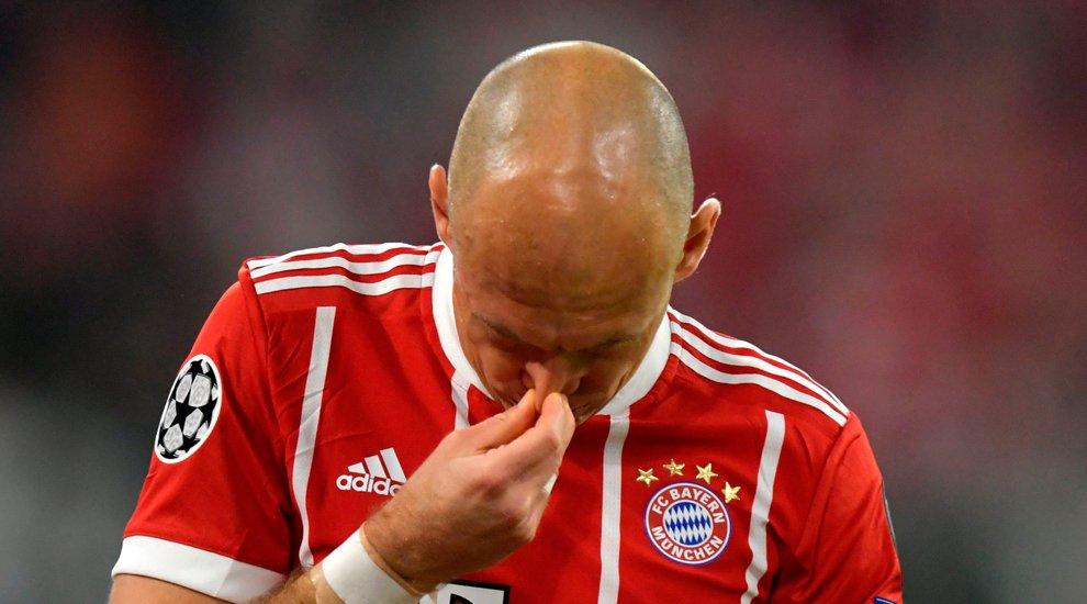 """#LoMásLeído Robben, desesperado: """"Lo intentamos todo pero no funciona, no sabemos qué tengo"""" https://trib.al/I0BpE6Z"""