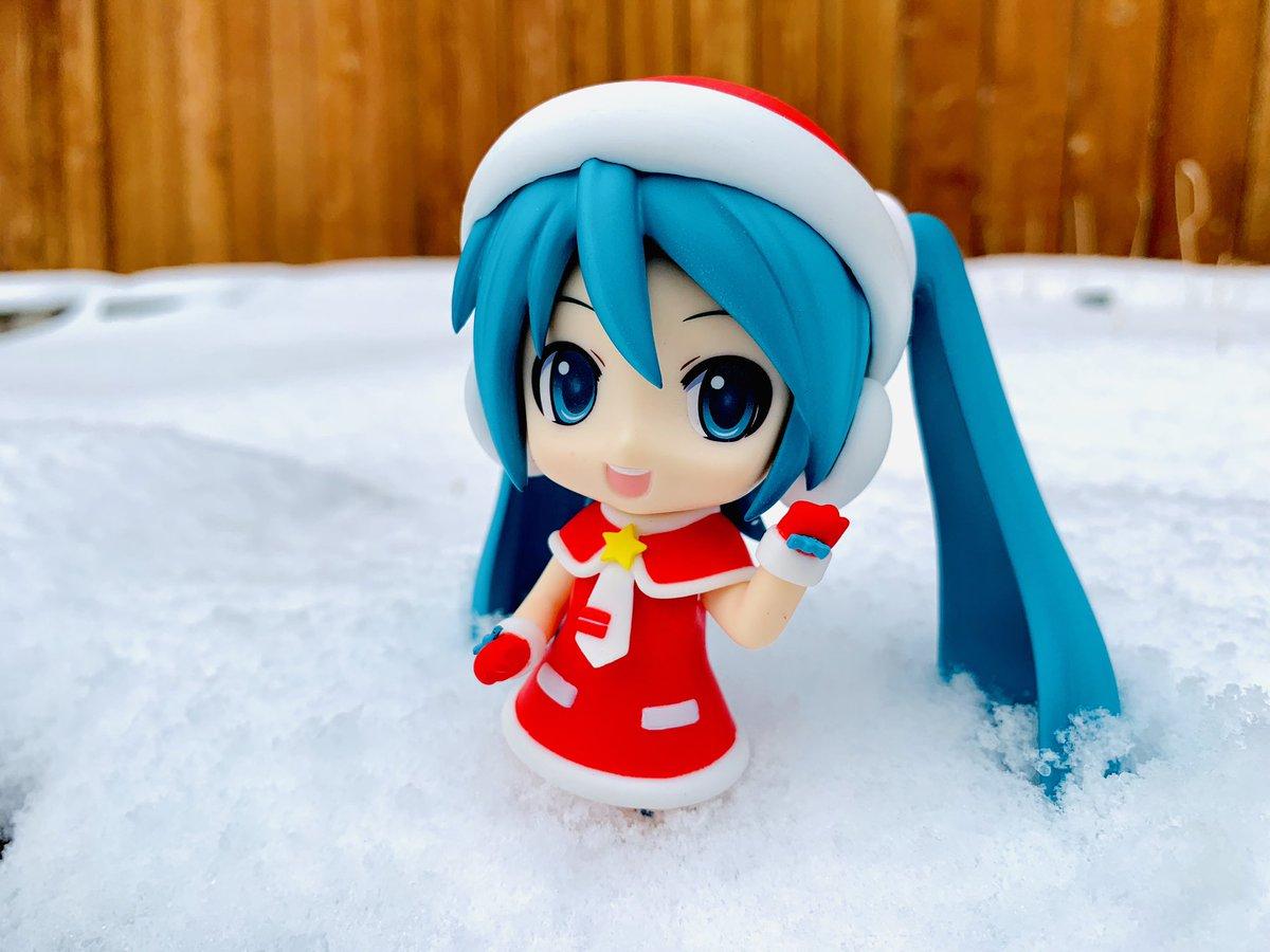Got bored  More of Miku :3 #HatsuneMiku #GoodSmile #GoodSmileCompany #Nendoroid #Snow<br>http://pic.twitter.com/TKZtmArxa2