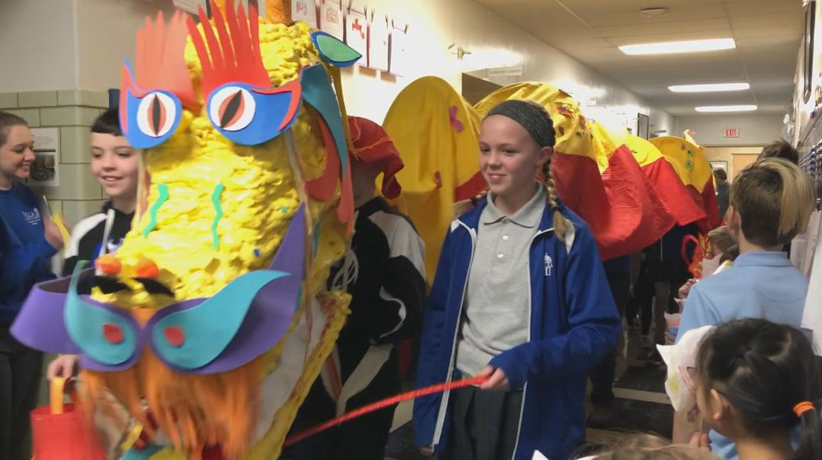 Some local school children celebrated the #ChineseNewYear with a parade Friday: https://t.co/0uaLSHuWkd