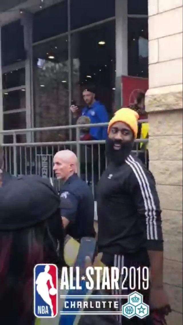SEEN: James Harden and his beard earlier today at the @EpiCentreNC (📸: @LambosLocks)   #NBAAllStar #JamesHarden #NBA #ALLSTAR2019 @JHarden13 #CelebsInCLT @CelebsInCLT