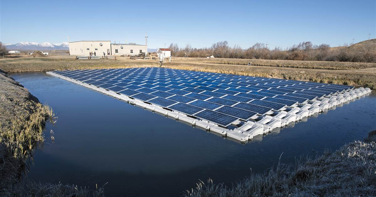 Floating solar farms: How 'floatovoltaics' could provide power without taking up valuable real estate  https://t.co/D7OauMp7E1