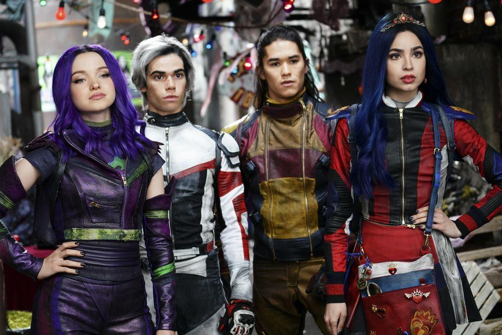 #Watch the teaser trailer for #Descendants3 here https://t.co/5VQ2TByKyD